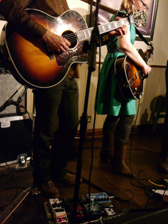 2013_03_31-Rebecca-and-Rich-TwickFolk-52